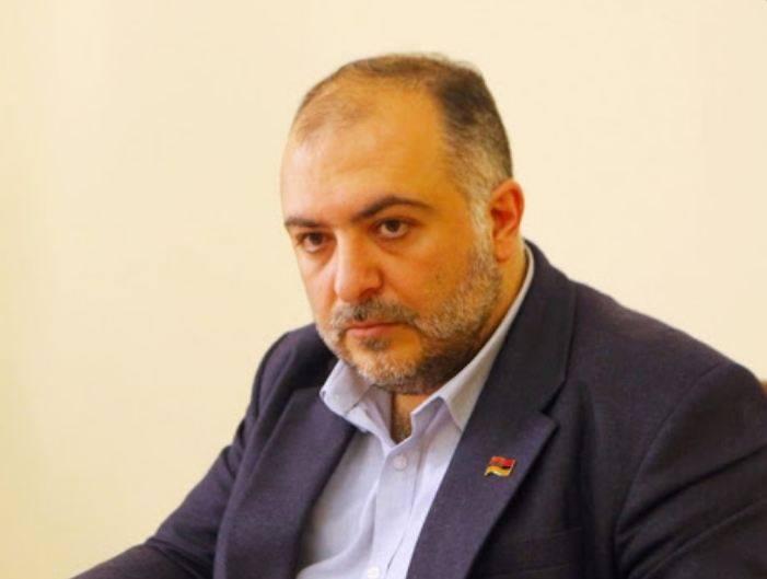 Photo of Азербайджанцы жалуются, что наемники грабят их магазины и людей: депутат НС