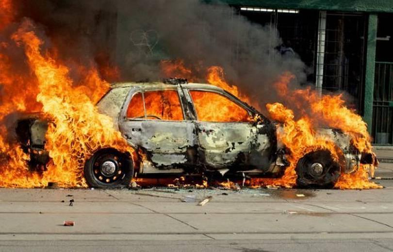 Photo of Արշակունյաց պողոտայում այրվում է ավտոմեքենա