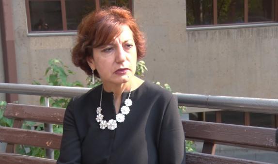 Photo of «В Армении очень часто возбуждаются дела, поднимается какой-то шум, и снова все замолкает». Председатель правления партии «Наследие» Нарине Дилбарян