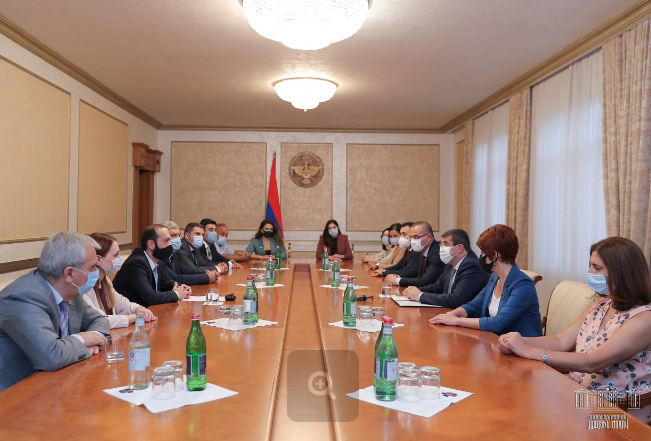 Photo of Արցախում քննարկվել են հայկական երկու պետությունների փոխգործակցությանը վերաբերող հարցեր