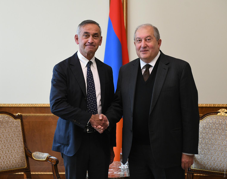 Photo of Армен Саркисян встретился с лордом Ара Дарзи