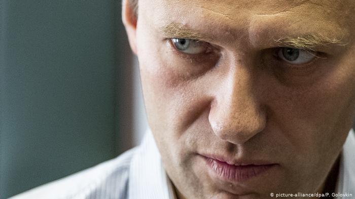 Photo of Лондон практически уверен в причастности шпионов из РФ к отравлению Навального