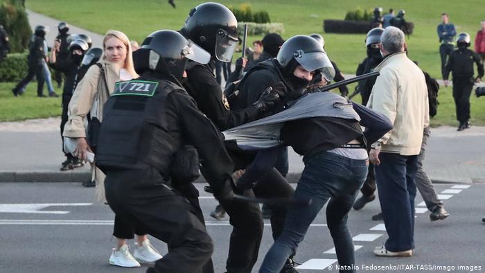 Photo of Лондон готовит санкции за нарушение прав человека в Беларуси