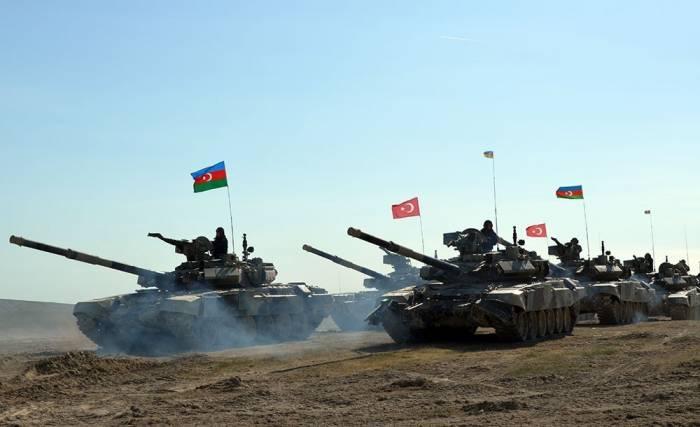 Photo of Сотрудничество между Турцией и Азербайджаном, их военно-политическое сближение в регионе ставят под угрозу интересы России. Тюрколог
