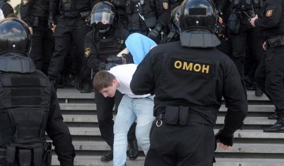 Photo of Բելառուսի ՆԳՆ-ն հաստատել է բողոքի ակցիայի ժամանակ կրակոցը
