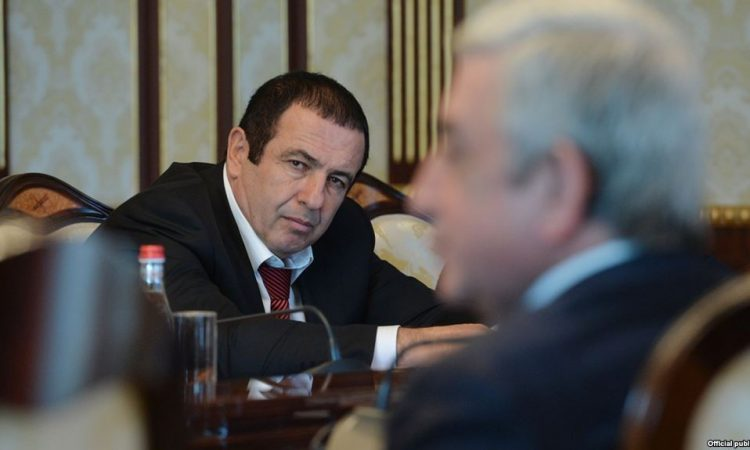 Photo of «Серж Саргсян, как 5 лет назад, продолжает преследовать ППА, но уже в кулуарах»