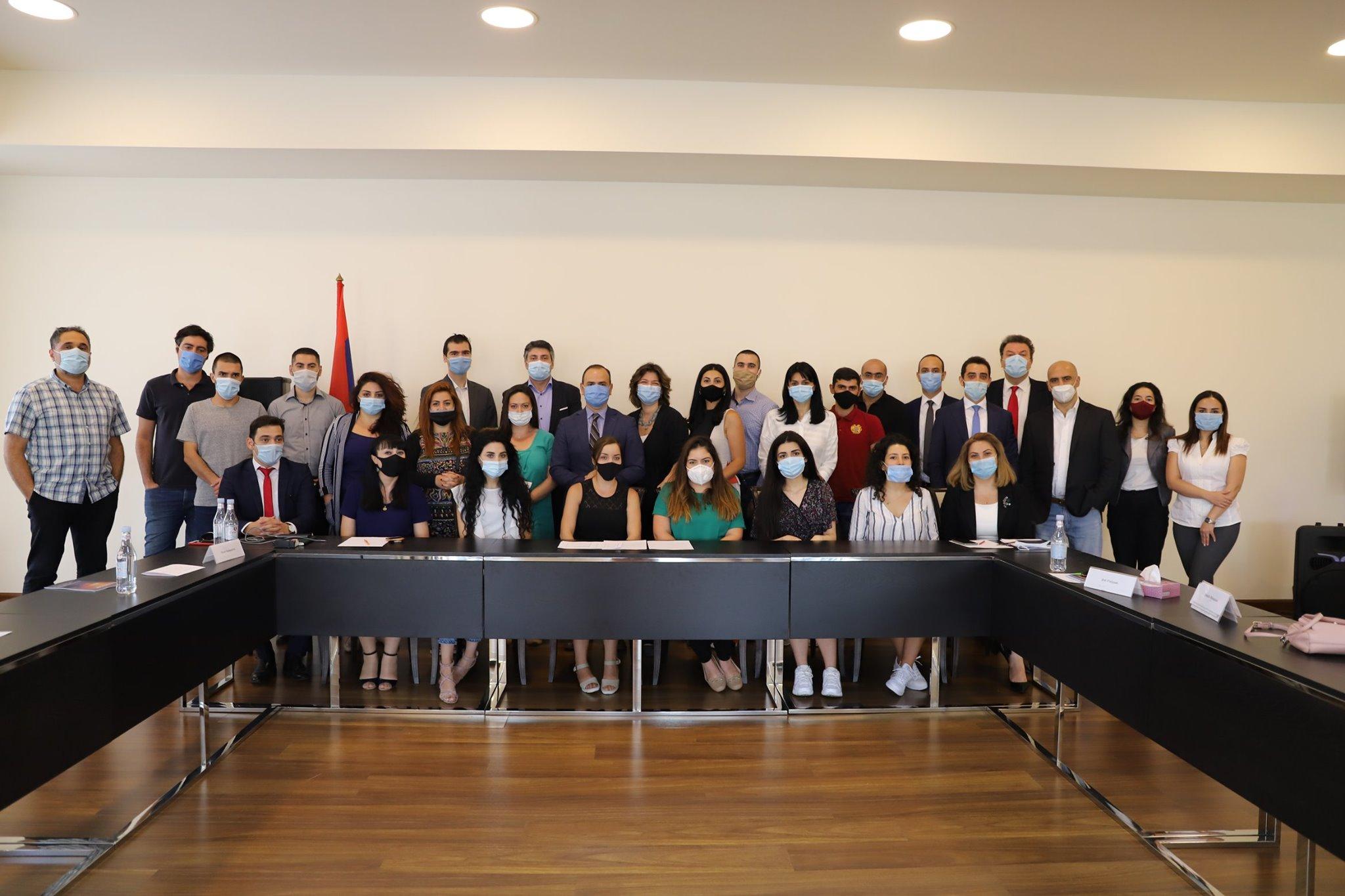 Photo of Սփյուռքահայ մասնագետները սկսեցին աշխատել ՀՀ կառավարությունում