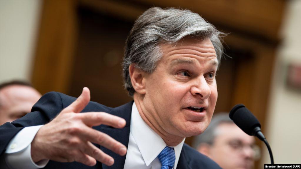 Photo of Глава ФБР: Россия продолжает влиять на выборный процесс США