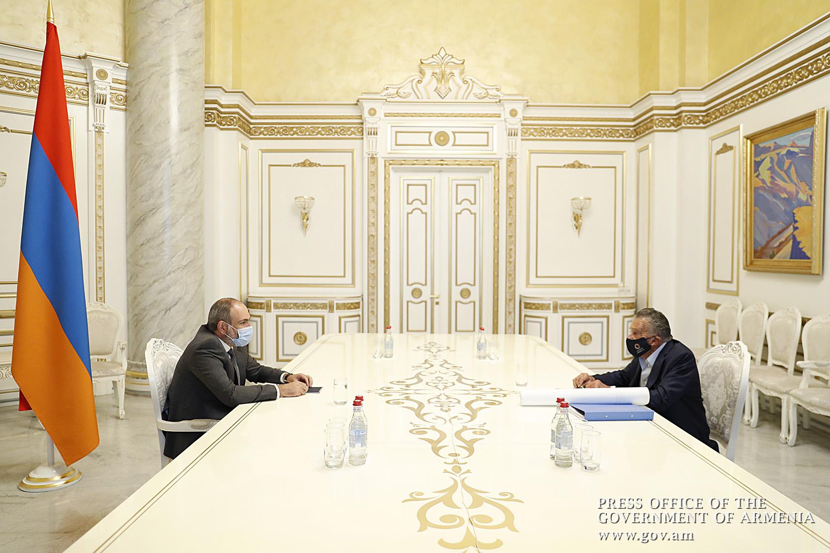 Photo of Премьер-министр Пашинян обсудил с Эдуардо Эрнекяном текущие и предстоящие новые инвестиционные программы