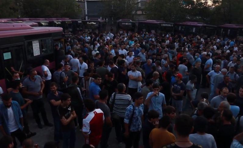 Photo of Очереди по всей Армении