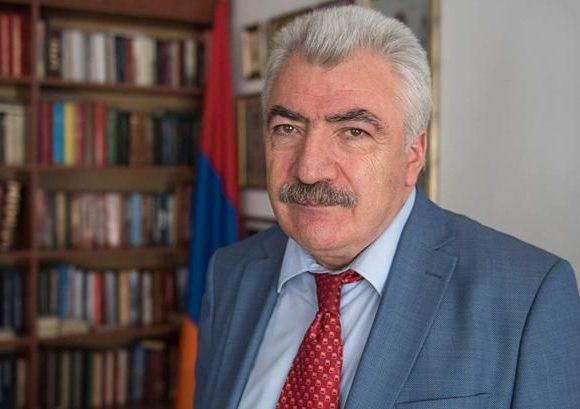 Photo of Директор Национального архива Аматуни Вирабян освобожден от должности