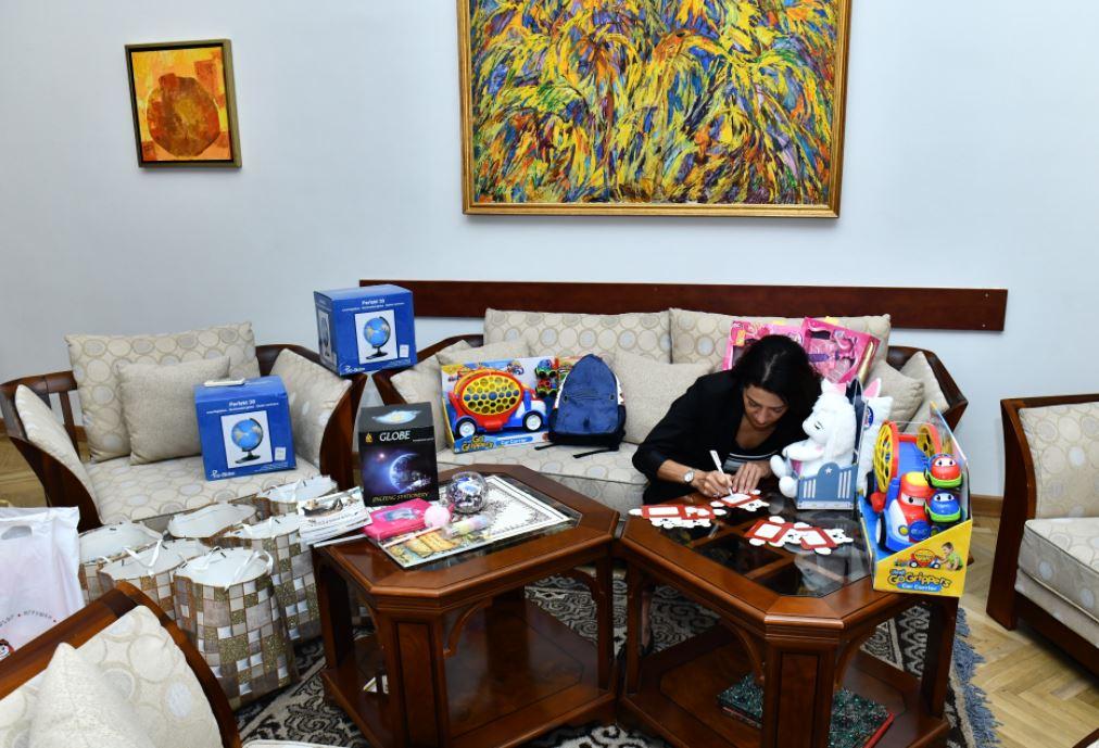 Photo of «Միշտ կլինեմ քո կողքին». Աննա Հակոբյանը նվերներ է ուղարկել քաղցկեղ ունեցող երեխաներին