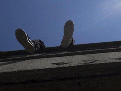 Photo of Արմավիր քաղաքի Չերեմուշկա թաղամասում քաղաքացին բարձրացել է աշտարակի վրա և սպառնում է ինքնասպան լինել