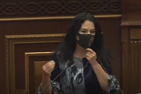 Photo of «Нам некуда отступать».  Депутат от фракции «Процветающая Армения» Наира Зограбян