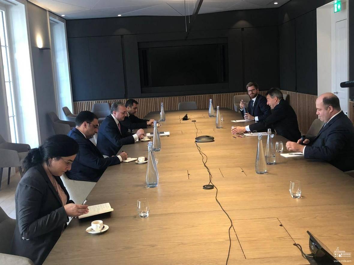 Photo of Զոհրաբ Մնացականյանը հանդիպեց Կարմիր խաչի միջազգային կոմիտեի նախագահ Փեթեր Մաուերի հետ. ՀՀ ԱԳՆ