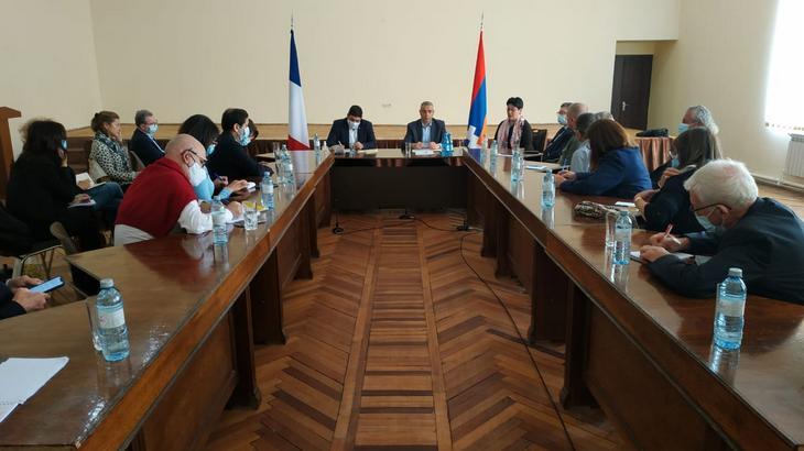 Photo of Глава МИД Республики Арцах Масис Маилян встретился с делегацией депутатов французского парламента