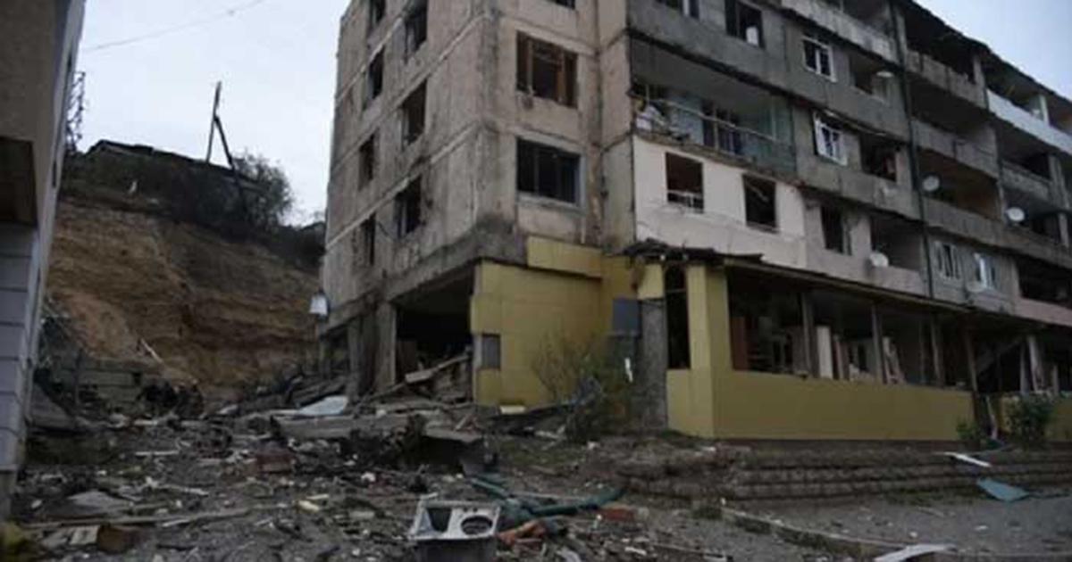 Photo of Ստեփանակերտում պայթյունի ձայներ են լսվել. հրթիռներից մեկն ընկել է մանկապարտեզներից մեկի մոտ