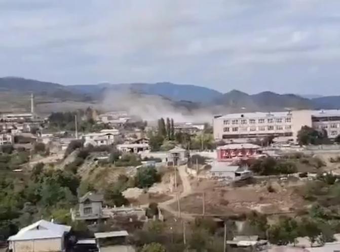 Photo of Вновь обстреливается Степанакерт. В городе только что были слышны взрывы