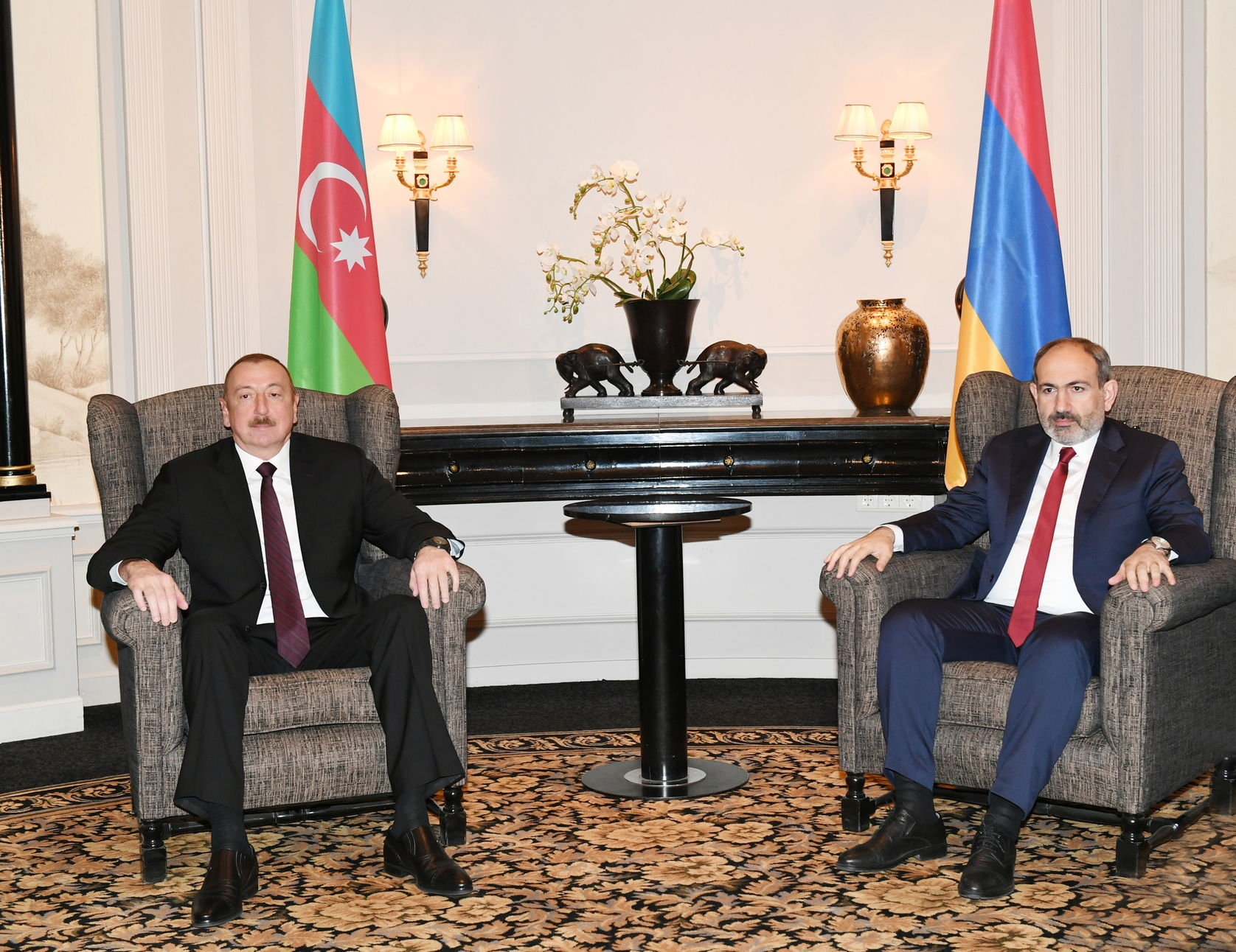 Photo of Пашинян выразил готовность отбыть в Москву для встречи с Алиевым