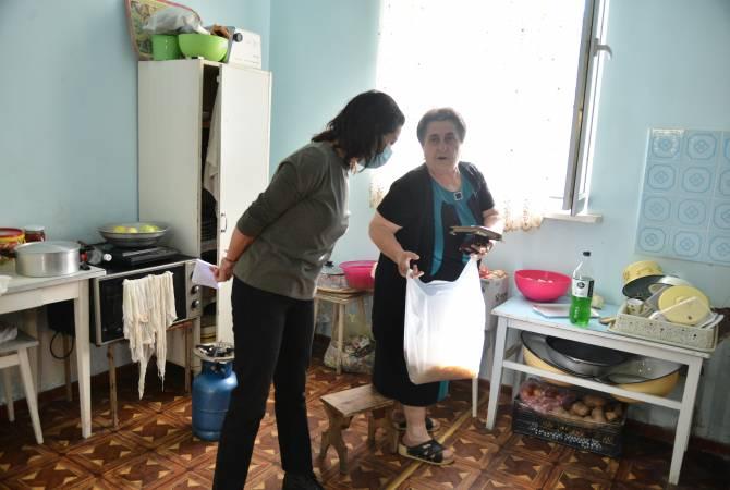 Photo of Աննա Հակոբյանն այցելել է Ռանչպար գյուղում ապաստանած արցախցիներին
