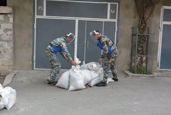 Photo of Սակրավորները վնասազերծում են Ստեփանակերտում հրթիռակոծությունից հետո առկա չպայթած զենք-զինամթերքը