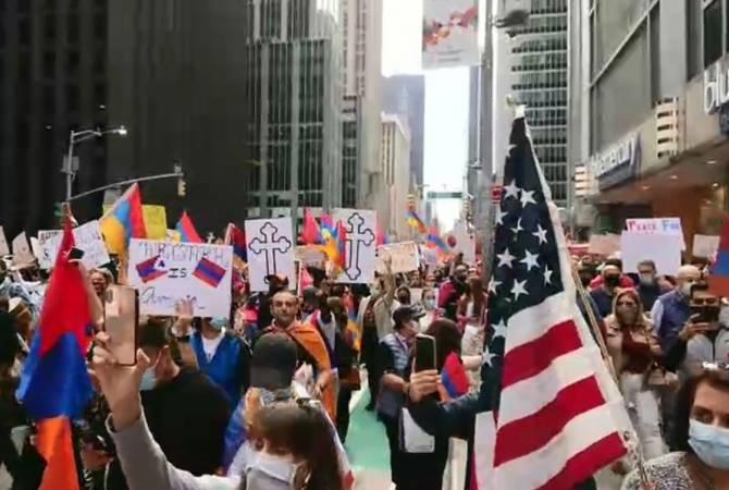 Photo of Նյու Յորքում զանգվածային երթ է ընթանում Արցախի ճանաչման պահանջով