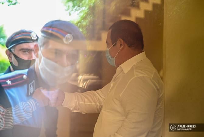 Photo of Դատարանը հետաձգեց Գագիկ Ծառուկյանին գրավի դիմաց ազատ արձակելու միջնորդության քննարկումը