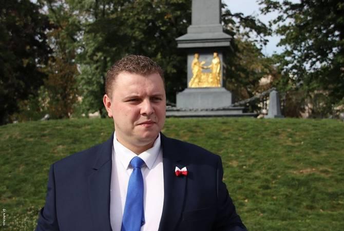 Photo of В Польше будет создан гражданский комитет по признанию независимости Арцаха