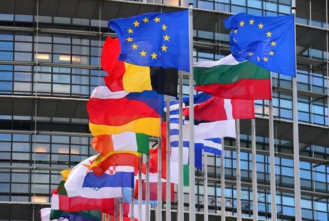 Photo of В ЕС призвали ввести международный контроль за перемирием в Карабахе