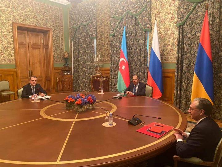 Photo of Մոսկվայում մեկնարկել է Հայաստանի, Ռուսաստանի և Ադրբեջանի ԱԳ նախարարների հանդիպումը