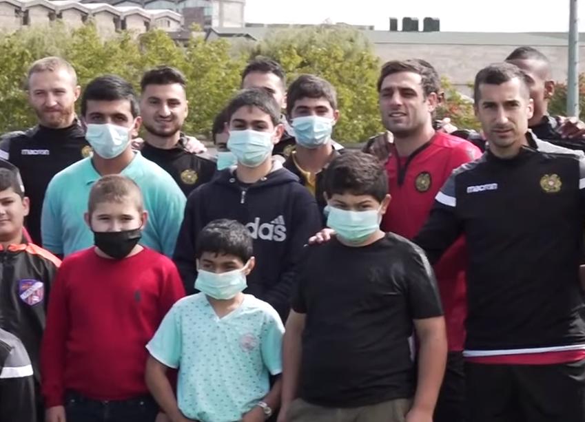 Photo of Ազգային հավաքականի ֆուտբոլիստները հյուրընկալել էին Արցախի երեխաներին
