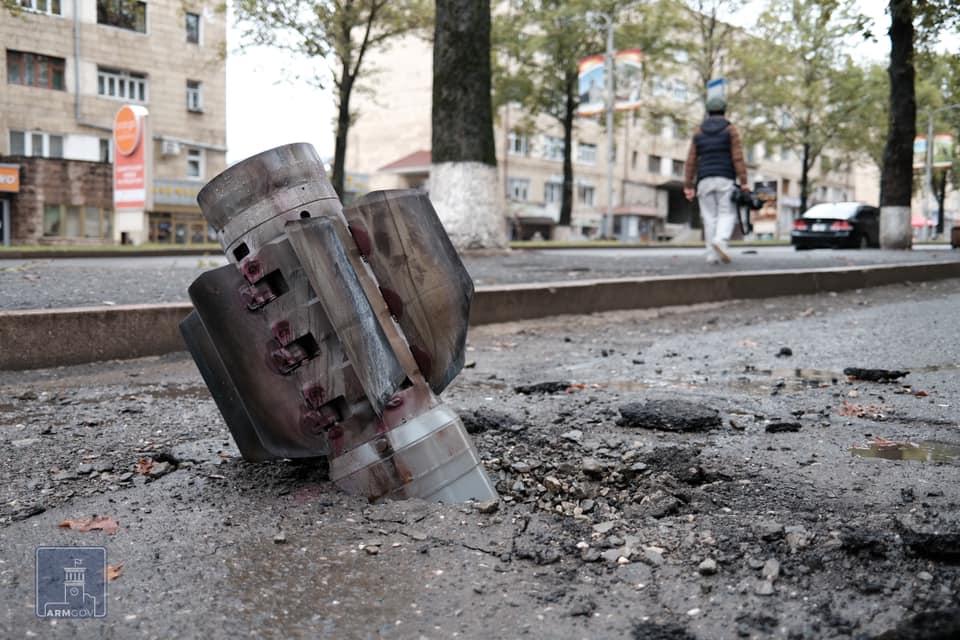 Photo of Ադրբեջանական հրետակոծության հետևանքները Ստեփանակերտում