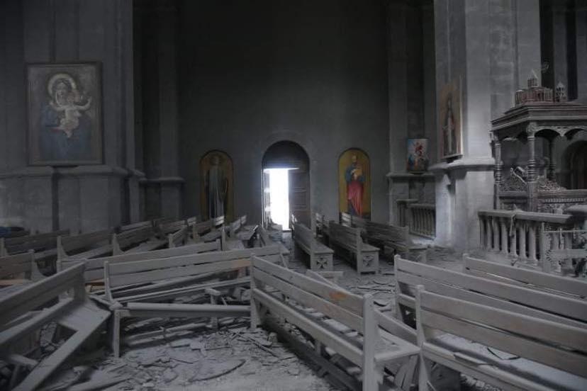 Տեսանյութ.Եկեղեցի ռմբակոծողների հետ ի՞նչ խոսես.Սրբապիղծ թշնամին գերճշգրիտ հրթիռով է հարվածել Շուշիի Ղազանչեցոց եկեղեցուն