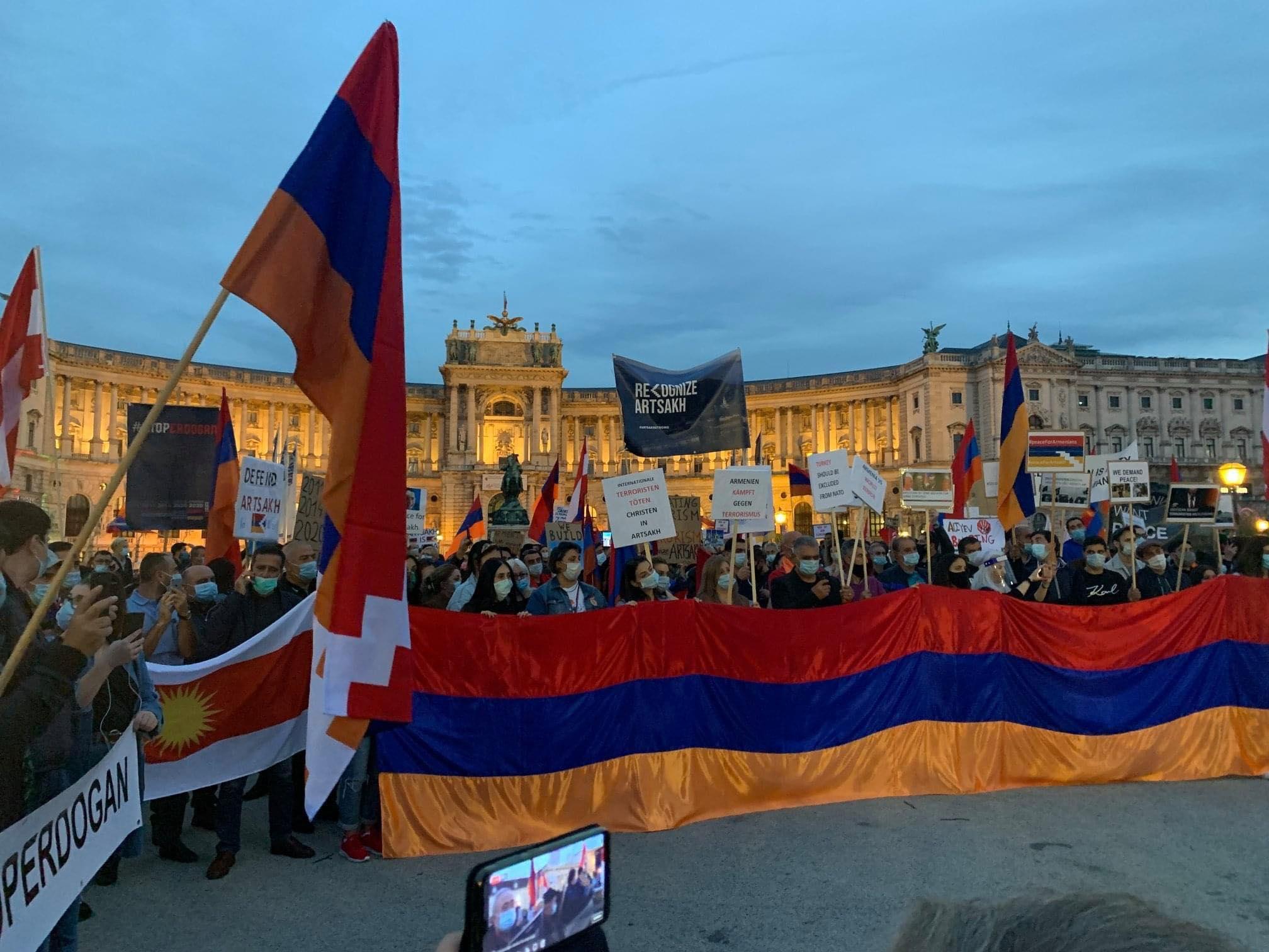 Photo of «Մենք մեր հայրենիքի կողքին ենք». Ավստրիայի հայ համայնքը բազմամարդ հանրահավաք է կազմակերպել