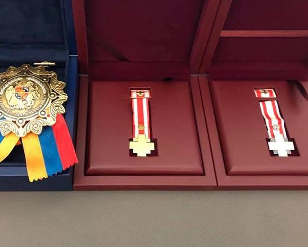 Photo of Ցուցաբերած բացառիկ քաջության ու արիության համար «Մարտական խաչ» 1-ին աստիճանի շքանշանով են պարգևատրվել ԱՀ Հադրութի շրջանի վարչակազմի ղեկավարը և նույն շրջանի ԱԱԾ աշխատակիցը
