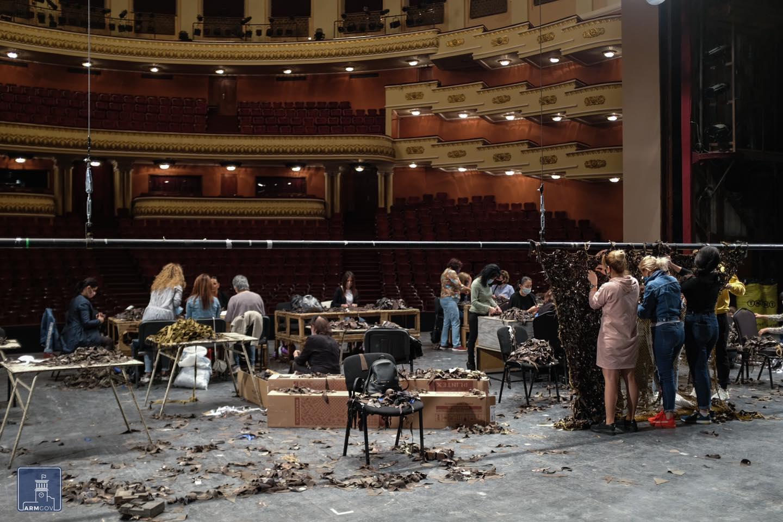Photo of Օպերայի և բալետի ազգային ակադեմիական թատրոնի բեմը` քողարկող ցանցեր պատրաստելու վայր