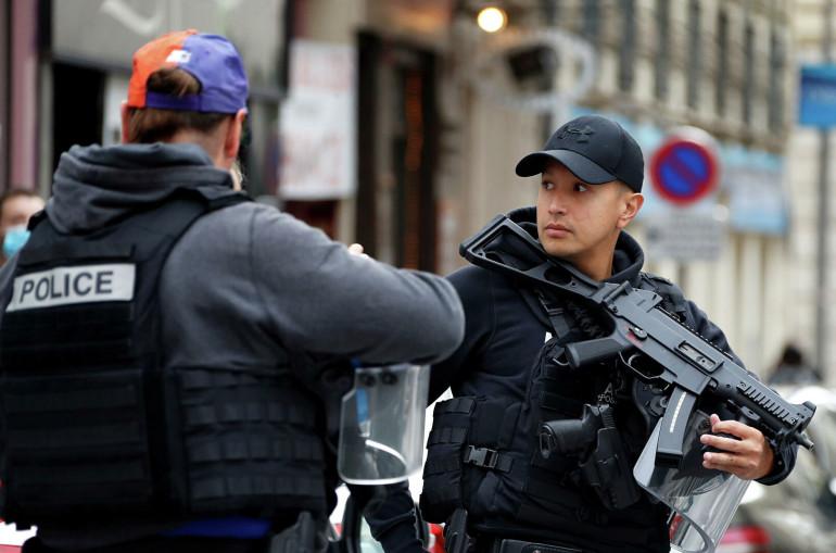 Photo of СМИ сообщили о задержании мужчины, стрелявшего в священника в Лионе