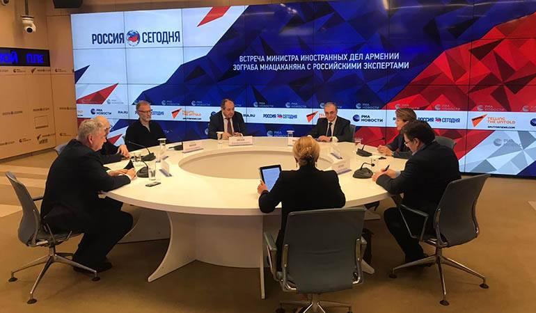 Photo of ԱԳ նախարար Զոհրաբ Մնացականյանի փակ քննարկում-հանդիպումը ռուս փորձագետների և քաղաքագետների հետ