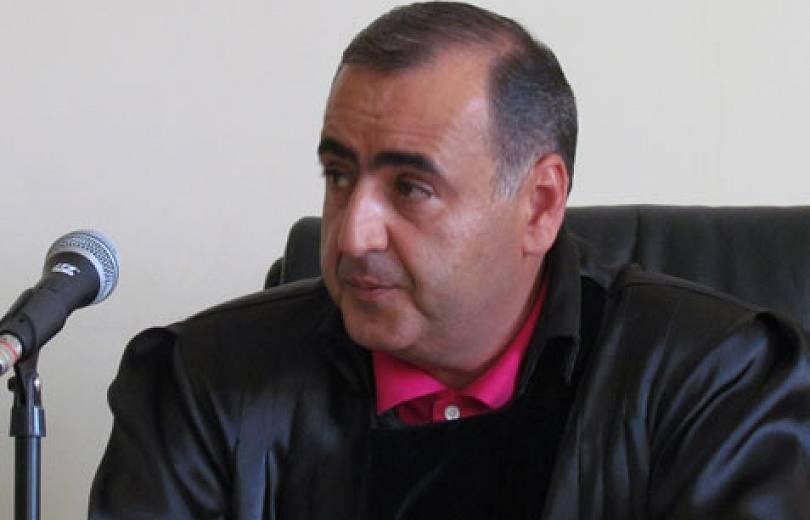 Photo of Էական խախտման հիմքով ԲԴԽ-ն դադարեցրել է Արմավիրի դատավոր Վահե Խալաթյանի լիազորությունները