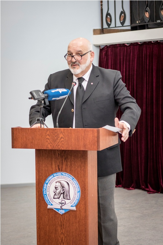 Photo of Կորոնավիրուսից մահացել է համաճարակաբան, կենսաբանական գիտությունների դոկտոր, պրոֆեսոր Վլադիմիր Դավիդյանցը