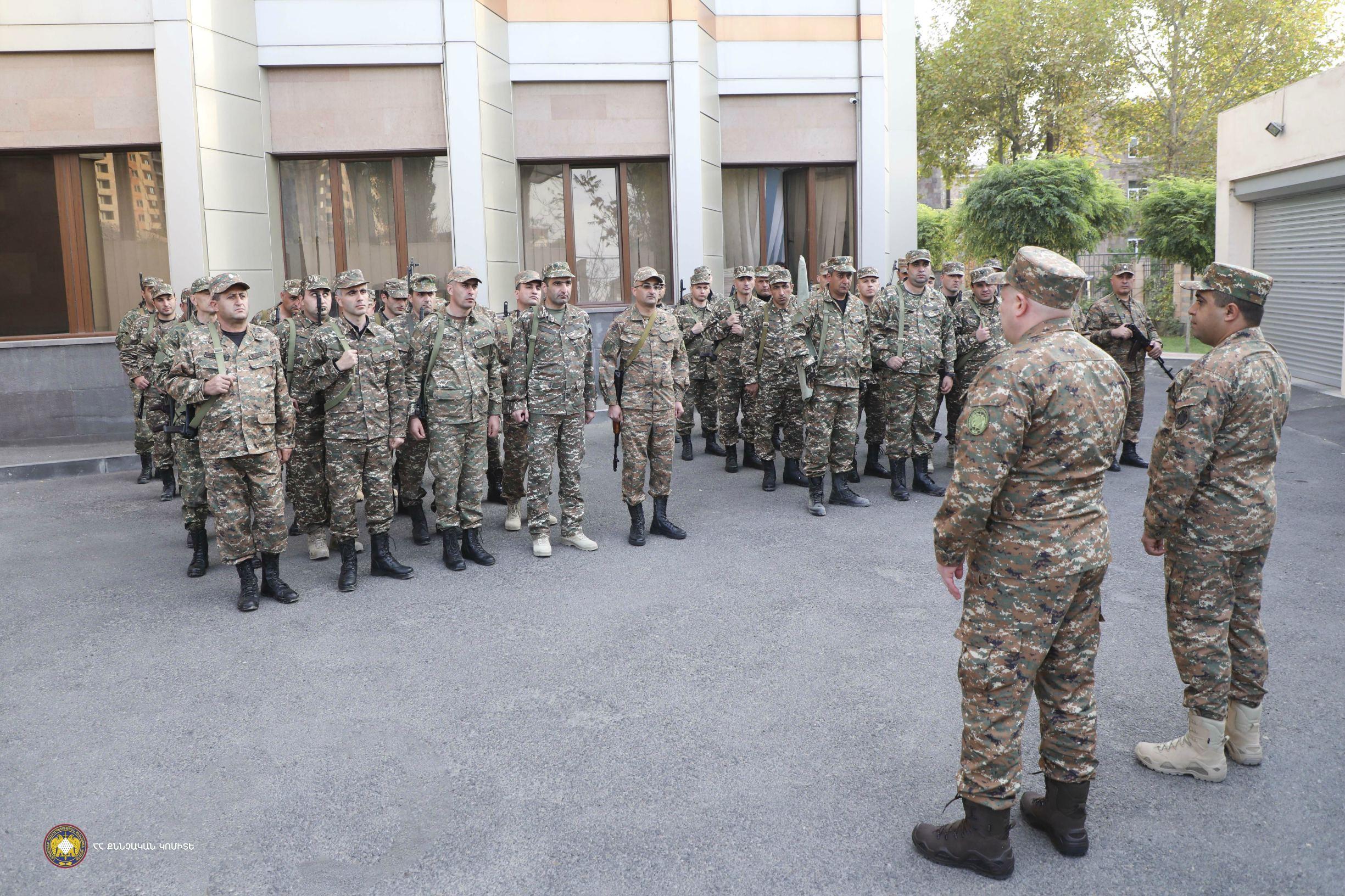 Photo of Քննչական կոմիտեի ծառայողներից զինվորագրվել է 180 կամավորական