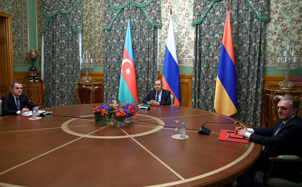 Photo of Переговоры глав МИД РФ, Армении и Азербайджана по Нагорному Карабаху. Прямая трансляция