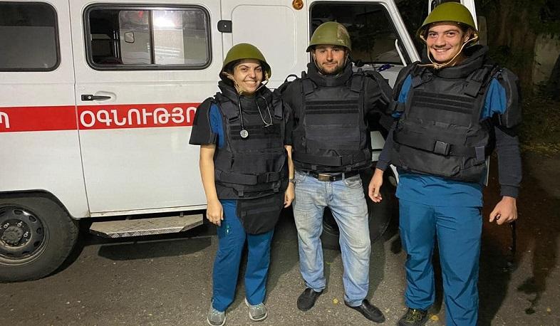 Photo of Բժիշկները մեկնում են հերթական կանչի՝ վիրավոր զինվորներին տեղափոխելու համար. ԱՆ