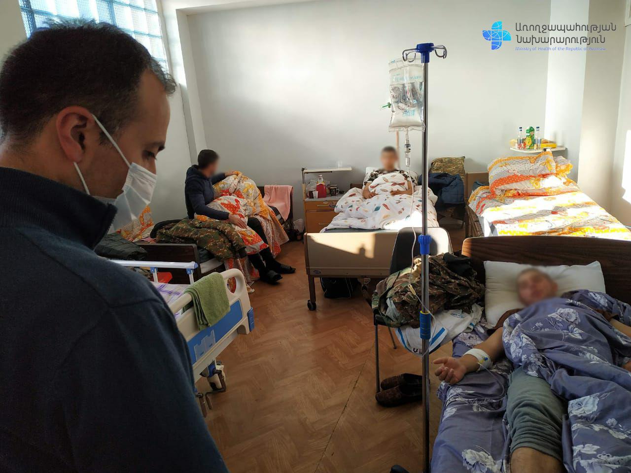 Photo of Արսեն Թորոսյանը շրջել է հիվանդասենյակներում, հետաքրքրվել վիրավոր զինվորների առողջական վիճակով և նրանց բուժման ընթացքով