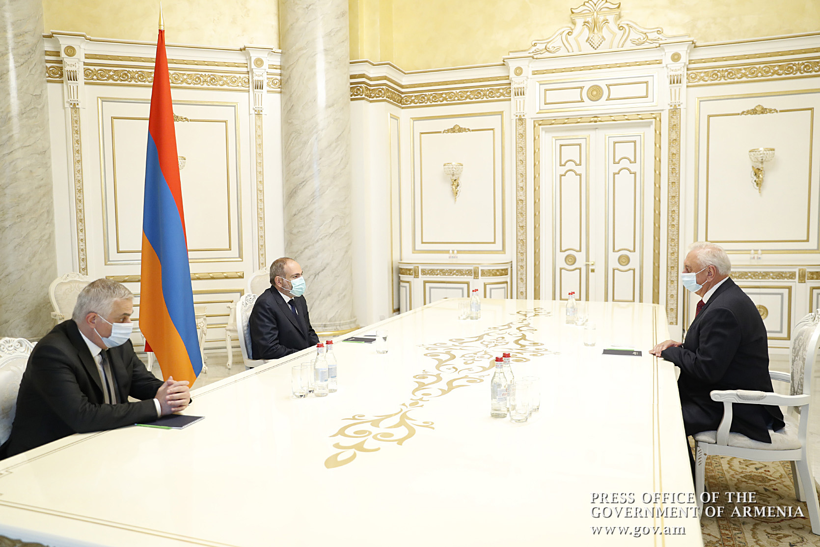 Photo of Վարչապետն ընդունել է ԵՏՀ Կոլեգիայի նախագահ Միխայիլ Մյասնիկովիչին