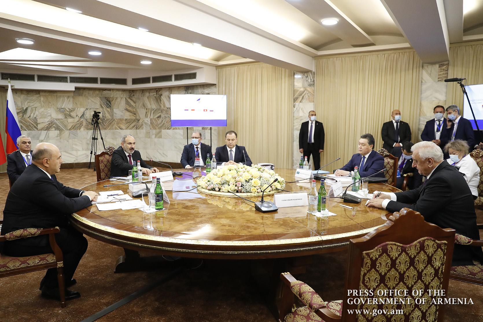 Photo of «Մեզ համար առանձնահատուկ արժեքավոր է, որ այս դժվարին պահին ժամանել եք Հայաստան». վարչապետը մասնակցել է ԵԱՏՄ միջկառավարական խորհրդի նիստի բացմանը
