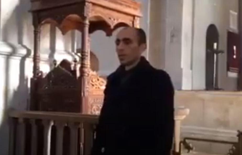 Photo of Արցախի ՄԻՊ Արտակ Բեգլարյանի ազդեցիկ կատարումը՝ Շուշիի Սուրբ Ամենափրկիչ եկեղեցում