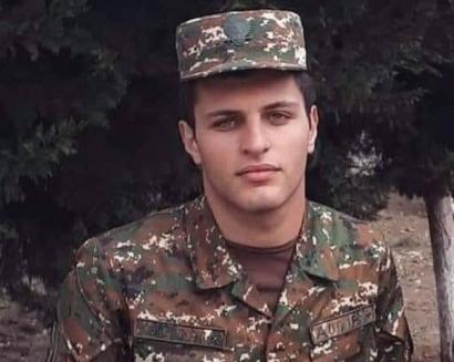 Photo of Արաբկիրցի 20-ամյա զինվորին, ով հերոսաբար իր կյանքը զոհեց առաջնագծում՝ փրկելով ընկերոջ կյանքը, հուղարկավորեցին «Եռաբլուր» զինվորական պանթեոնում