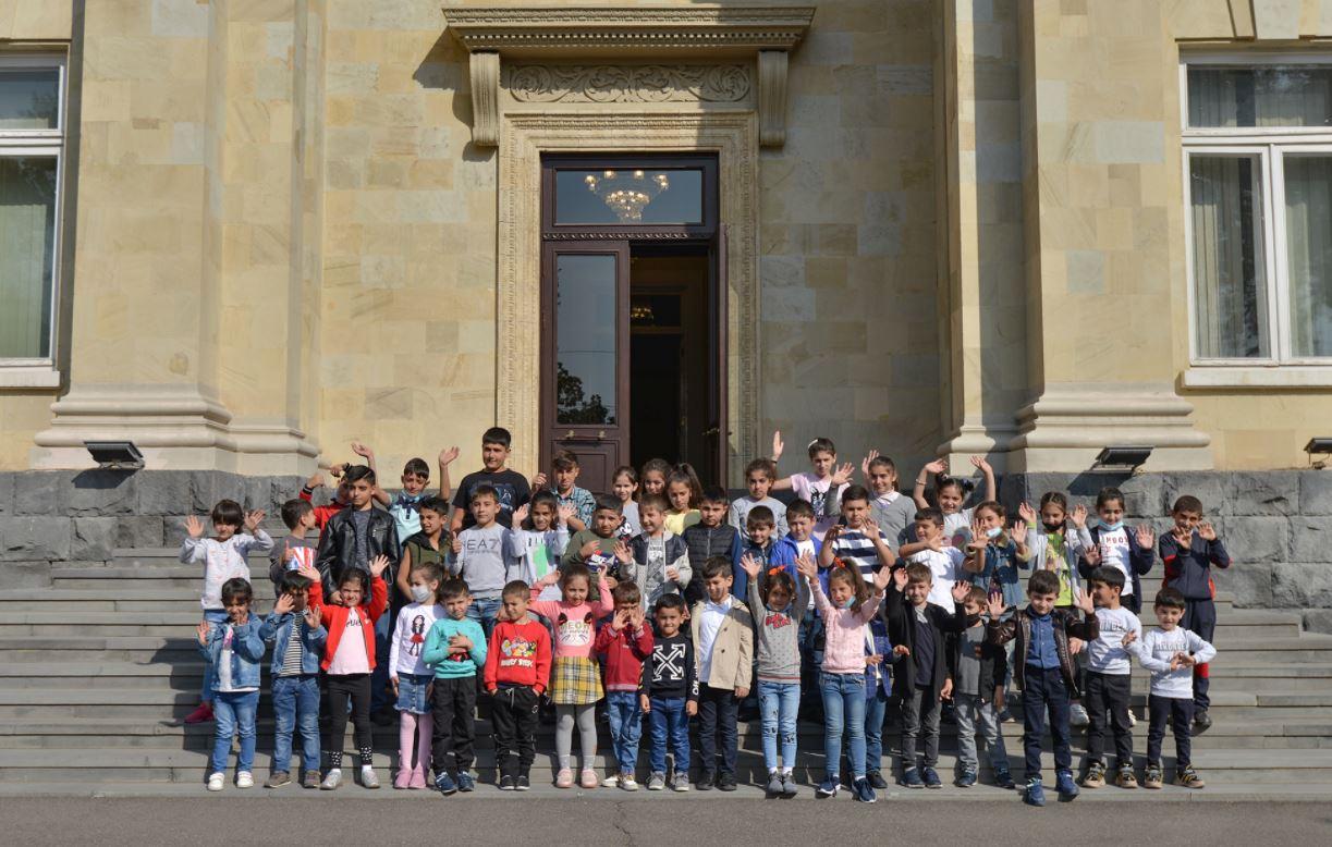 Photo of Արցախցի երեխաները հյուրընկալվել են նախագահական նստավայրում
