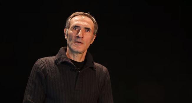 Photo of Актер, сценарист Вардан Петросян на своей официальной странице в Facebook обратился к соотечественникам с видеообращением.